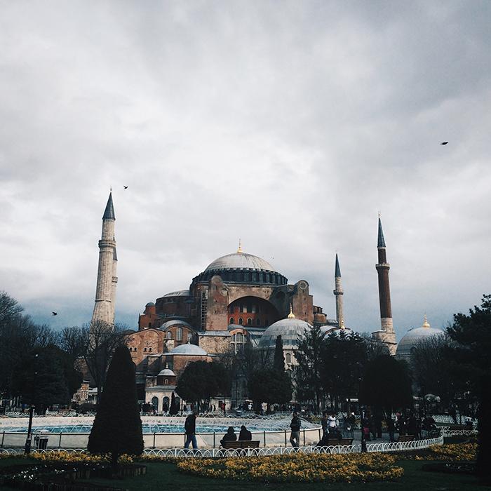 Дожди, ветры и чайки Стамбула